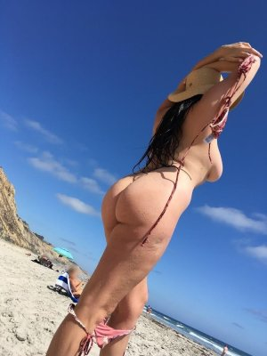 Anne-tiphaine outcall escort in Fairfield