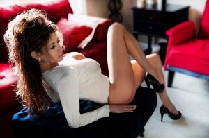Marialys escorts services