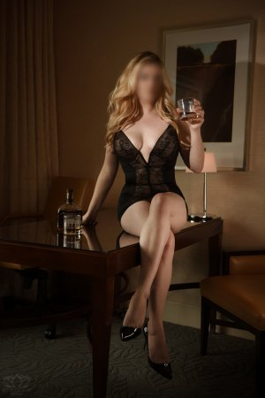Leonnie outcall escort